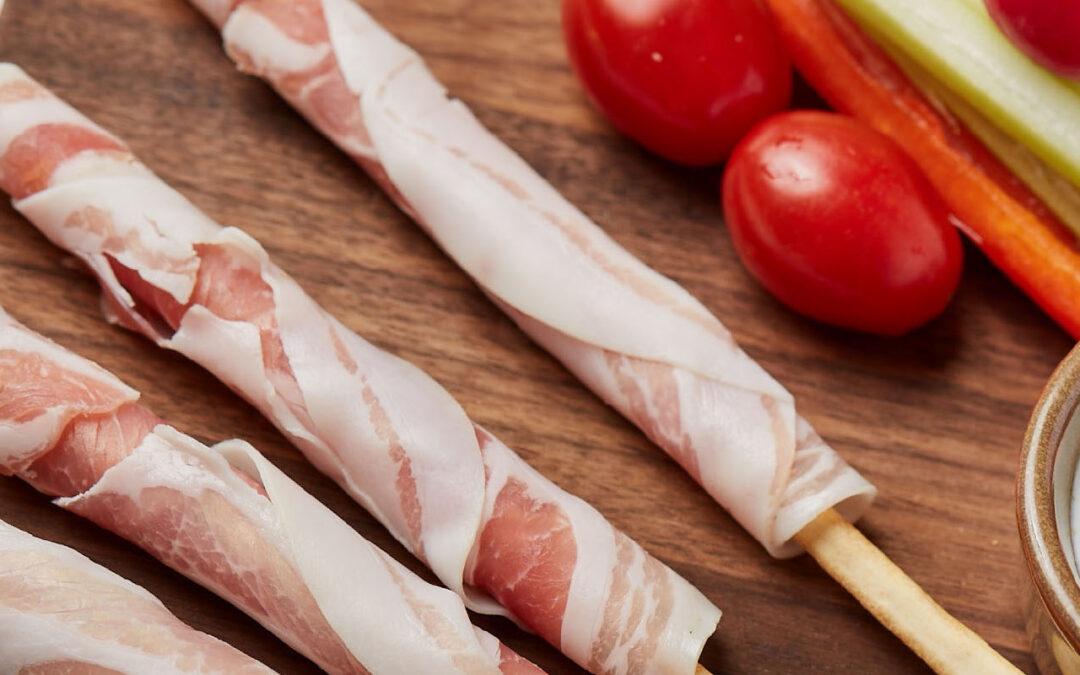 Gressins au roulade de bacon et crudité de légumes