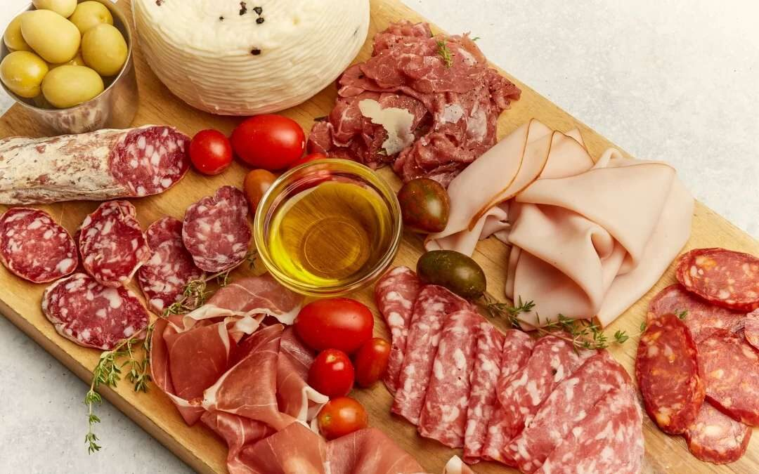 1. How to settle an evening-time with friends? With a fine platter of cold cuts!
