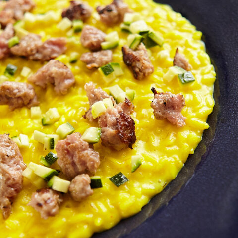 Spiced risotto with crumbled sausage